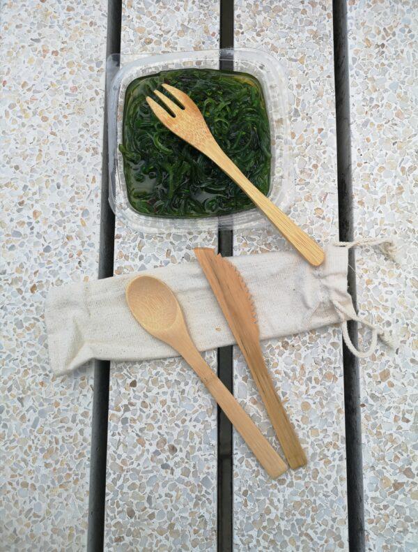 zestaw sztućców bambusowych dla podróżnika prezent co kupić pomysły ekologiczne sztućce wielorazowe